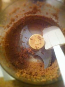 RECIPE - Make your own almond butter - body